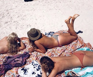 beach, best friends, and chic image
