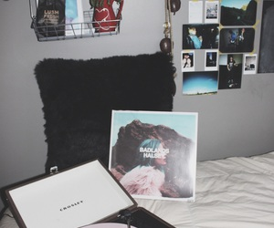 indie, room, and halsey image