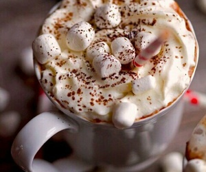 marshmallows and hot ​chocolate image