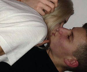couple, kiss, and boyfriend image