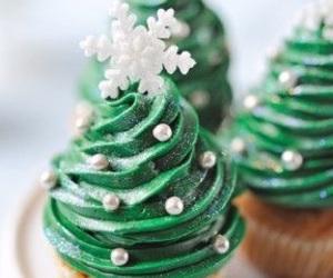 christmas, cupcake, and cake image