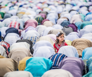 girl, muslim, and pray image