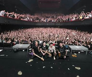 amazing, concert, and fall out boy image
