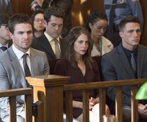 arrow, serie, and willa holland image