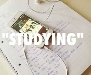 studying and Taylor Swift image