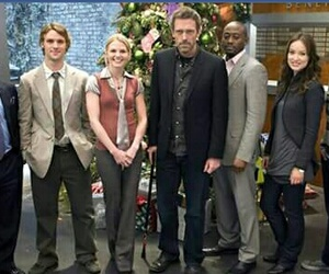 13, chase, and dr house image
