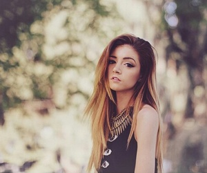 chrissy costanza and girl image