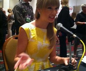 Taylor Swift, yellow, and taylorswift image