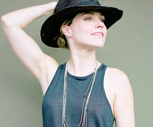 sophia bush and hat; shoot image