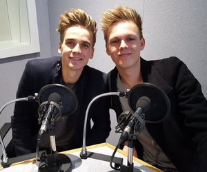 joe sugg, youtube, and caspar lee image