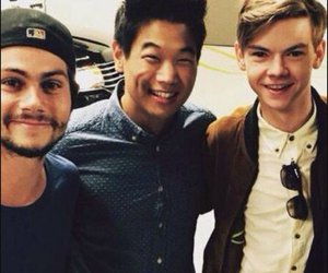 ki hong lee, thomas brodie sangster, and newt image