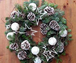 christmas, christmas flowers, and christmas wreaths image