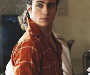 aaron johnson, nowhere boy, and boy image