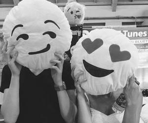 love, couple, and emoji image