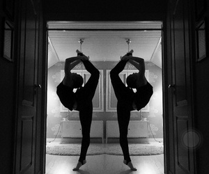 bw, cheer, and flexible image
