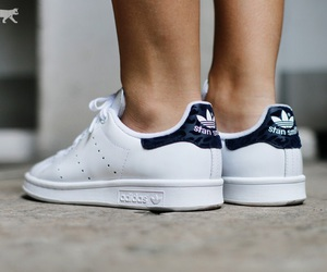 stan smith image