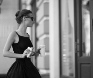 fashion, girl, and Breakfast at Tiffany's image
