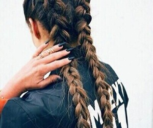 hair and trenzas image