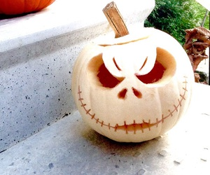 decorating, pumpkin, and carving image