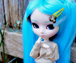 blue, pullip, and small image