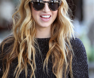 hair, pink, and whitney port image