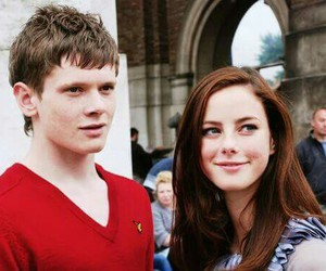 skins, KAYA SCODELARIO, and cook image