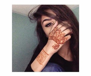 girl and henna image