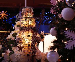 lights and snowman image