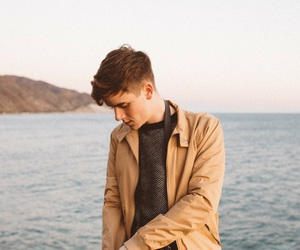 connor franta, photography, and youtuber image