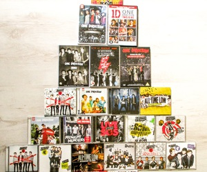 all time low, christmas tree, and 5sos image