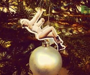christmas, funny, and gold image