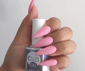 chic and nails image