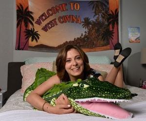 crazy ex-girlfriend and rachel bloom image