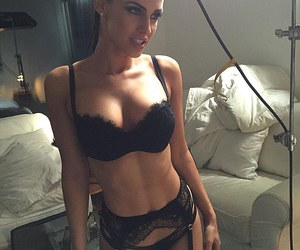 Jessica Lowndes and dailymail image