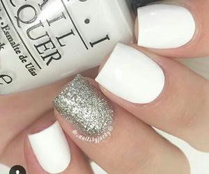 nail art and white image