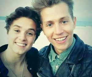 brad, jadley, and the vamps image