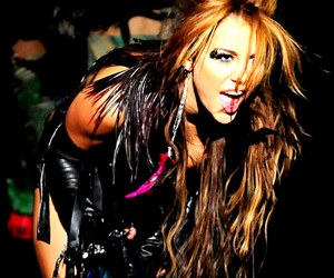 miley cyrus, can't be tamed, and miley image