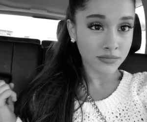 snapchat and arianagrande image