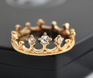 ring and Queen image