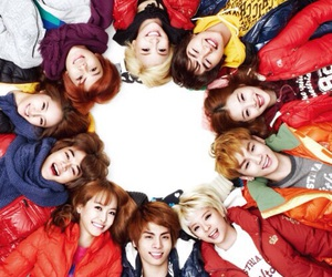 SHINee, f(x), and smtown image