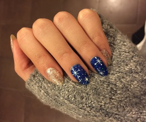 christmas, manicure, and snowflakes image