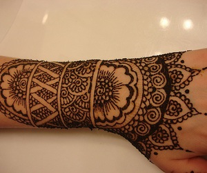 henna, tattoo, and flower image