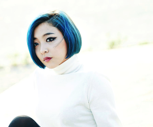 blue hair, kpop, and luna image