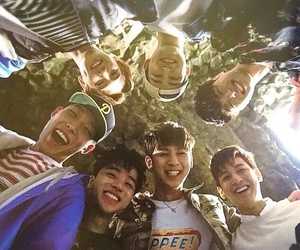 Ikon, bobby, and jinhwan image