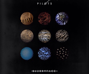 vessel, regional at best, and blurryface image