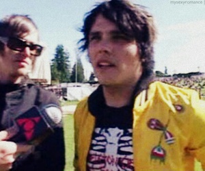 gerard way and mikey way image