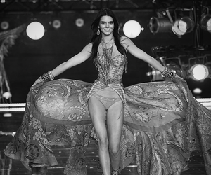 fashion, Kendall, and Victoria's Secret image