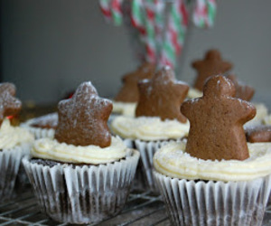 cupcakes and gingerbread image