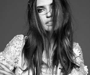 fashionmodel, nicegirl, and flowerscrown image