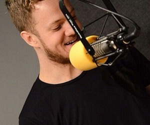 smile, imagine dragons, and dan reynolds image
